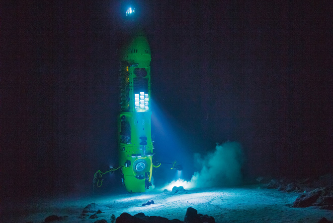 New Scale's M3-F focus modules travel to Earth's deepest ocean trench onboard DeepSea Challenger; aid in 3D image capture